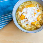 Gute Laune zum Löffeln: Hirseporridge mit Orange und Kokos